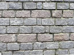 دیوار سنگی با رجهای مساوی